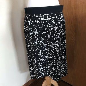 NWT Cabi Dixon Black and White Printed Skirt